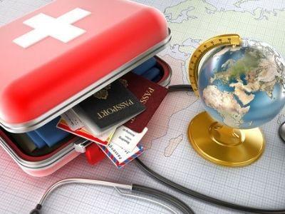 Аптечка в дорогу: список лекарств, что брать на море в отпуск, заграницу